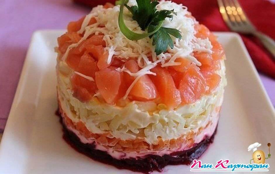 http://shopping.idejki.ru/images/salaty/1352639911_semga-na-shube%201.jpg
